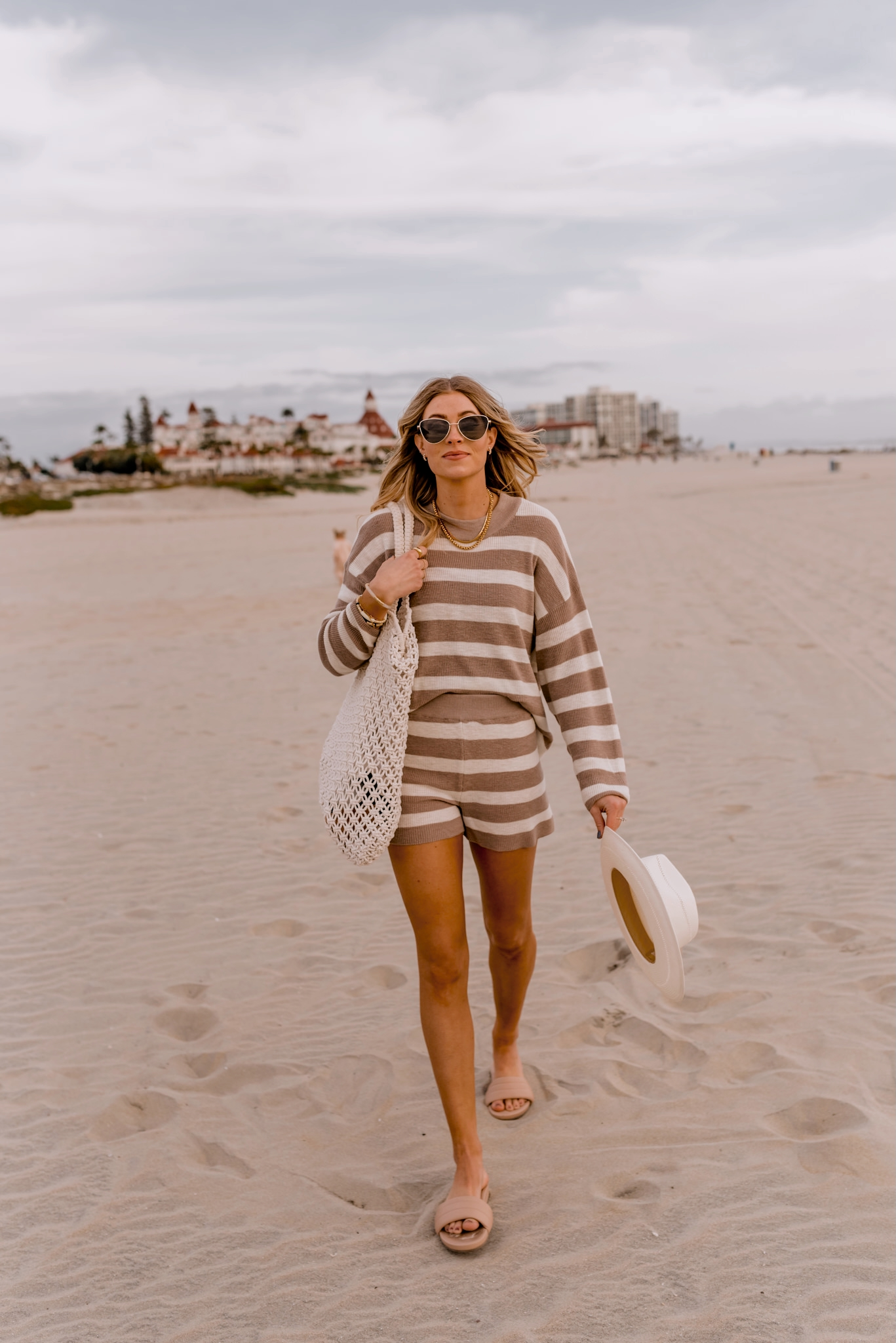 what to wear on the beach