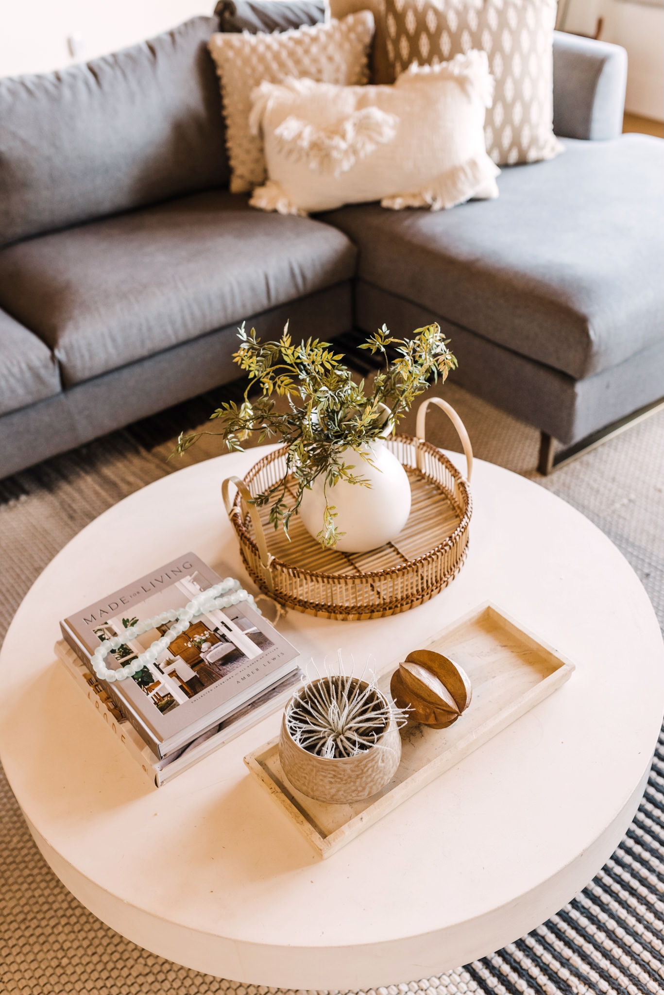 how to style a coffee table table