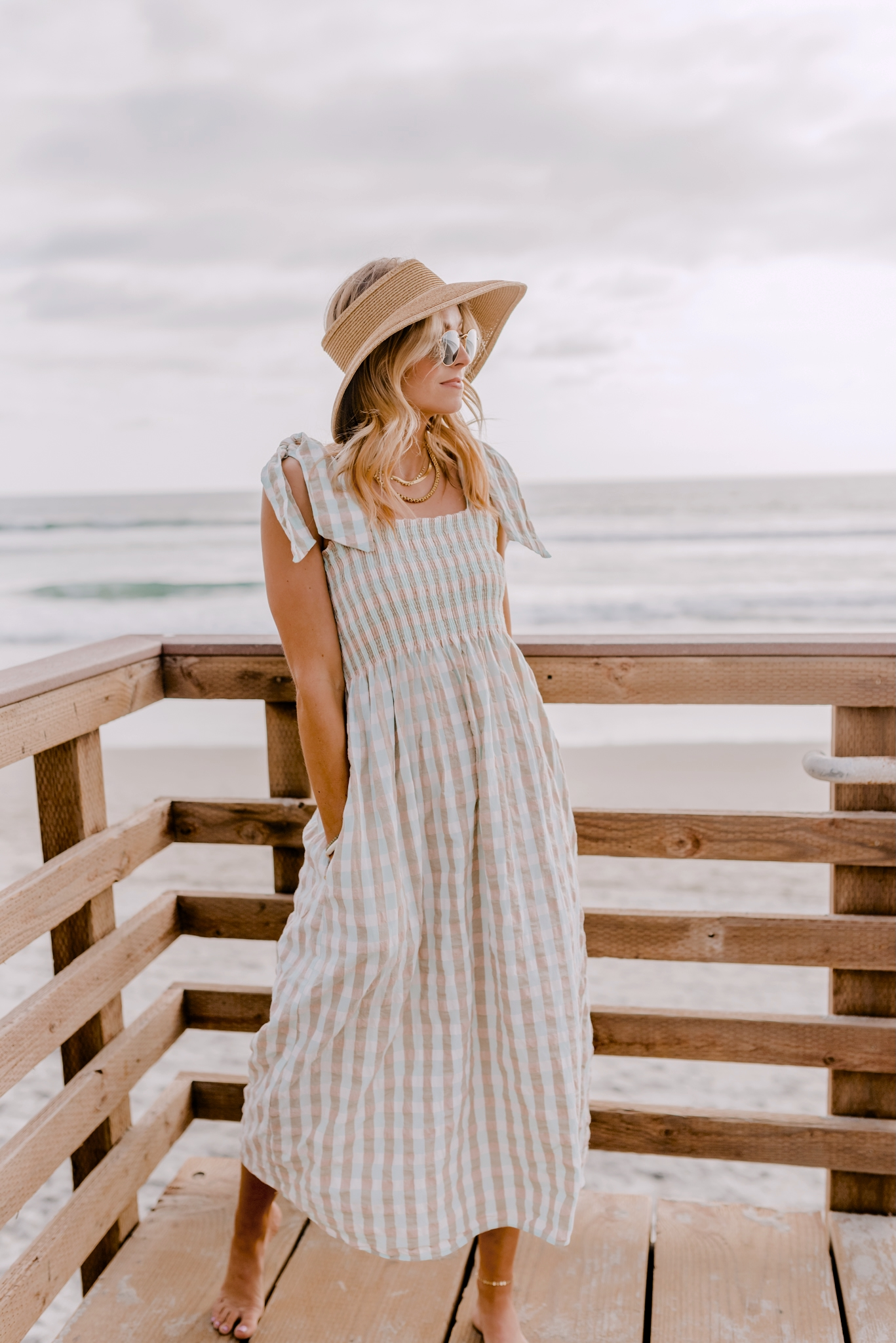 how to style a beach hat